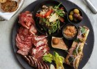 1_mnh-din-restaurant-meat-selection-food01_2580x3219
