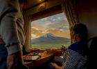 4_Impressive-view-from-the-Republican-coach-of-Chimborazo-Volcano.jpg