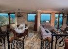 bella_mare_living_room3