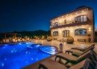 winedarkseavillas_villa-santorini_exterior5203