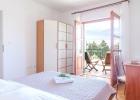 6_Cvita_Hvar_bedroom1.jpg