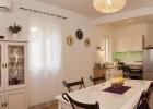 5_Villa-Helena_dining_kitchen.jpg
