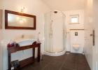 9_Villa-Helena_buthroom.jpg