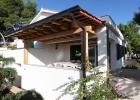 10_Ida_Milna_dining_terrace_villa.jpg