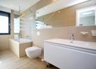 7_Villa_Leo_Brzet_buthroom.jpg