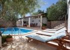 2_Villa-Lukrecia_pool_terrace.jpg