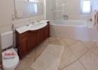 8_Villa-Lukrecia_buthroom.jpg