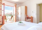 6_Mare_Hvar_bedroom1.jpg