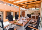 Villa_Maris_Bicine_outdoor_dining_area.jpg