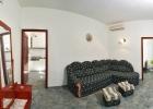 11_Pupa_Sumartin_living_room.jpg