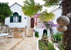 4_Pupa_Sumartin_villa_entrance.jpg