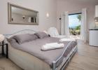11_villa_valentina_bedroom.jpg