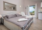 11_villa_valentina_bedroom.jpg