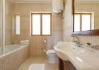 10_Villa_Vjeka_Sumartin_bathroom.jpg