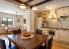 6_Villa_Vjeka_Sumartin_kitchen_dining_zone.jpg
