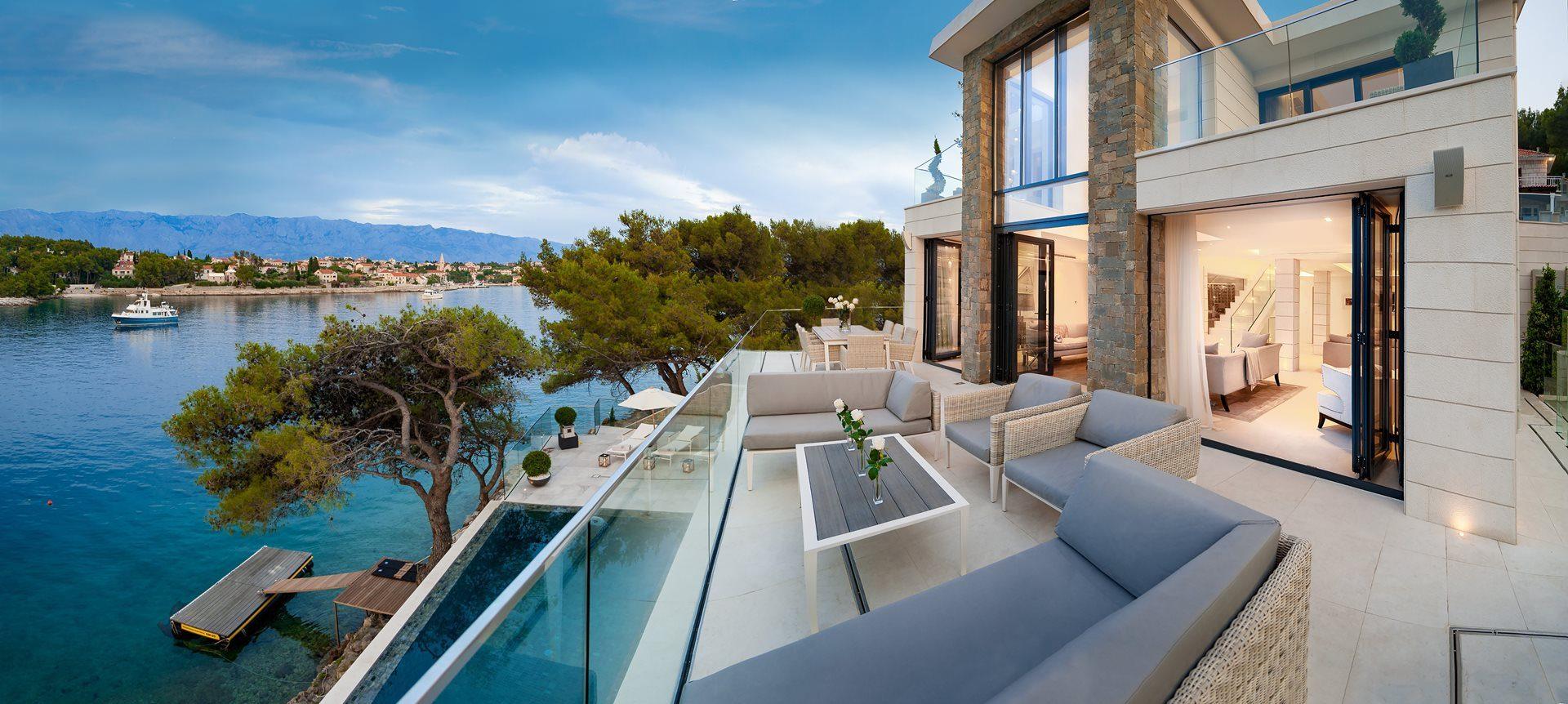 1_Villa-Violet_Sumartin_terrace